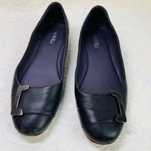 Vaneli leather flats size 7.5N